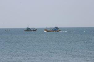 Tàu đánh cá Việt Nam thường hoạt động từng toán hầu bảo vệ lẫn nhau (RFA ảnh minh họa)