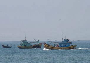 Tàu đánh cá Việt Nam thường hoạt động từng toán hầu bảo vệ lẫn nhau. (RFA ảnh minh họa)