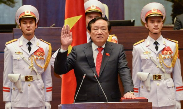 Tân chánh án Tòa án nhân dân tối cao Nguyễn Hòa Bình tuyên thệ nhậm chức.