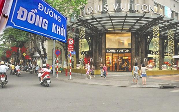 Đường Đồng Khởi ờ Sài gòn là con đường thường được các giới nhiều tiền dạo bộ...