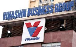 Tập đòan Công nghiệp Tàu thủy Việt Nam- Vinashin bị vỡ nợ. AFP