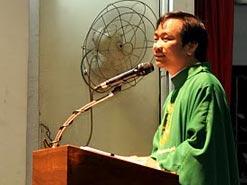 Cha Antôn Lê Ngọc Thanh chia sẻ Lời Chúa tại  nhà thờ Dòng Chúa Cứu Thế Saigon ở đường Kỳ Đồng