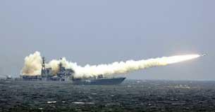 Trung Quốc không ngưng phô trương lực lượng trên biển Đông trong những lần tập trận. AFP