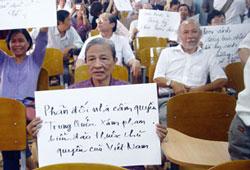 Vợ của cố Hải quân thiếu tá Nguỵ Văn Thà hạm trưởng hộ tống hạm Nhật Tảo HQ10. RFA file photo.