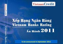 Bìa sách Xếp hạng ngân hàng năm 2011 do công ty TNHH Thông tin tín nhiệm và xếp hạng doanh nghiệp Việt Nam phát hành. File photo.