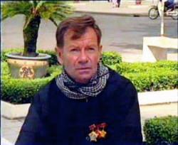 André Menras – Hồ Cương Quyết. Source Blog hoanquang