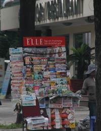 Một sạp báo lề đường ở Sài Gòn. RFA photo