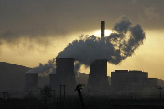 Ảnh minh họa. Một nhà máy nhiệt điện than tại một khu công nghiệp ở Nội Mông, Trung Quốc, tháng 7/2009.