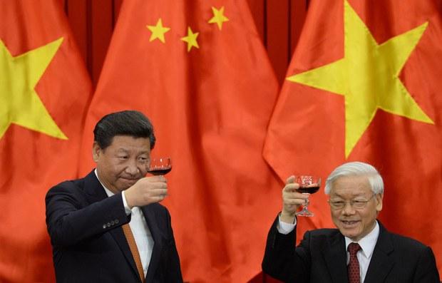 Việt Nam sẽ thế nào khi tiếp tục chính sách 'đu dây' giữa Mỹ và Trung Quốc?
