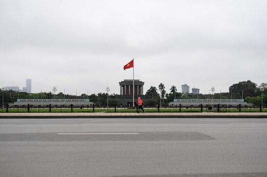 Ảnh minh họa: Quang cảnh Lăng Chủ tịch Hồ Chí Minh, Hà Nội trong ngày 1/4/2020, ngày đầu tiên Chính phủ Việt Nam áp dụng cách ly xã hội toàn quốc trong 14 ngày.