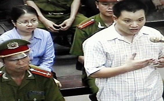 Luật sư Nguyễn Văn Đài, người được Đức trao giải thưởng Nhân quyền năm 2017, tại Tòa án Nhân dân Hà Nội, ngày 11 tháng 5 năm 2007.