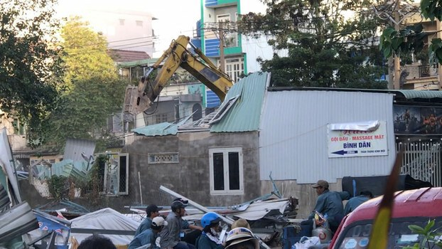 Hình minh hoạ. Cơ quan chức năng đang tiến hành cưỡng chế nhiều căn nhà tại vườn rau Lộc Hưng hôm 8/1/2019