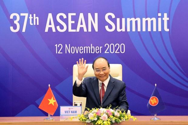 2020-11-12T063542Z_352444573_RC2I1K9OOOQO_RTRMADP_3_ASEAN-SUMMIT.JPG