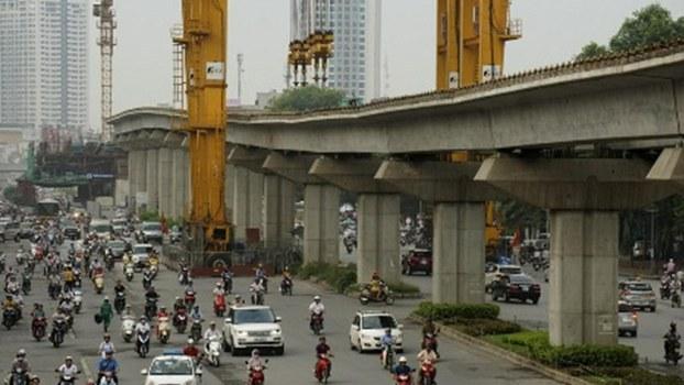 Một đoạn đường sắt trên cao Cát Linh - Hà Đông đang thi công dang dở.