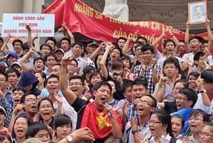 Bình Minh đã bắt nhịp để mọi người hát ...(12 tháng 5, 2014)