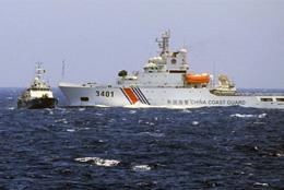 Tàu Hải cảnh của Trung Quốc chủ động đâm thẳng vào mạn trái tàu Cảnh sát biển Việt Nam. (Nguồn: Cảnh sát biển)