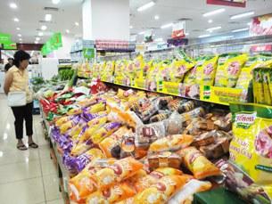 Một siêu thị bán lẻ hàng hóa ở Hà Nội.