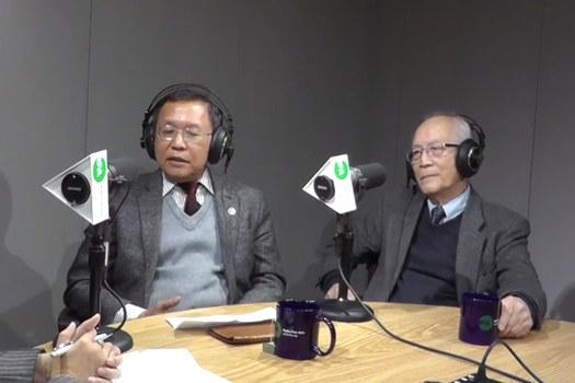 Giáo sư Phạm Minh Hoàng (bên trái) và Giáo sư Lê Xuân Khoa trong buổi hội luận tại văn phòng Đài RFA ngày 27/11/18.