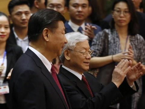 Chủ tịch Trung Quốc Tập Cận Bình và Tổng bí thư ĐCSVN, Nguyễn Phú Trọng tại Hà Nội năm 2017