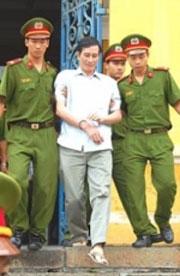 Anh Nguyễn Văn Hải được công an đưa về trại giam. RFA file