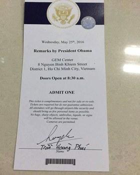 Giấy mời của bạn Trần Hoàng Phúc đến dự buổi gặp gỡ của Tổng thống Hoa Kỳ Barack Obama với các thành viên của Sáng kiến Lãnh đạo Trẻ Đông Nam Á - YSEALI tại GEM Center ở Sài Gòn vào ngày 25 tháng 5 năm 2016. Courtesy photo.