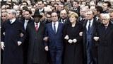 Khoảng 40 lãnh đạo thế giới và hơn 1 triệu người đã đổ xuống các đường phố ở Paris để tham gia cuộc tuần hành quy mô lớn nhằm bày tỏ đoàn kết sau khi 17 người thiệt mạng trong loạt tấn công khủng bố trong 3 ngày liên tiếp, vốn làm rúng động thủ đô của Pháp.