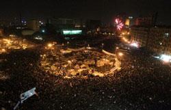 Cairo bùng nổ niềm vui khi cuộc cách mạng lật đổ ông Mubarack thành công hôm 11/2/2011. AFP photo.