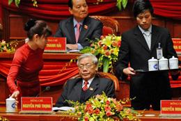 Ông Nguyễn Phú Trọng  trong cuộc họp Đại hội toàn quốc lần thứ 11 của Đảng Cộng sản Việt Nam tại Hà Nội. AFP