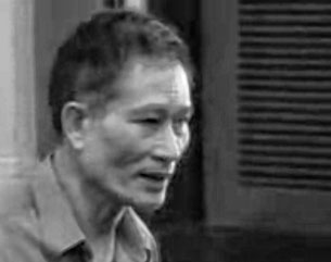 Ảnh chụp Blogger Điếu Cày ra tòa hồi tháng 1, 2013. RFA files