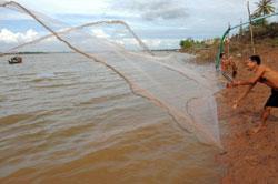 Sông Mêkông, phần trong địa phận Campuchia hôm 08-12-2011. AFP PHOTO.