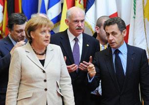Tại thượng định G20 phần nào quyết định nền kinh tế Hy Lạp. Trong ảnh:Thủ tướng Hy lạp bàn luận với Thủ tướng Đức và Tổng thống Pháp tại Paris. AFP