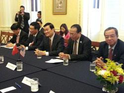Chủ tịch Trương Tấn Sang gặp gỡ các Thượng Nghị Sĩ thuộc Ủy ban đối ngoại Thượng viện Hoa Kỳ hôm 24/07/2013 tại Washington DC. RFA PHOTO.