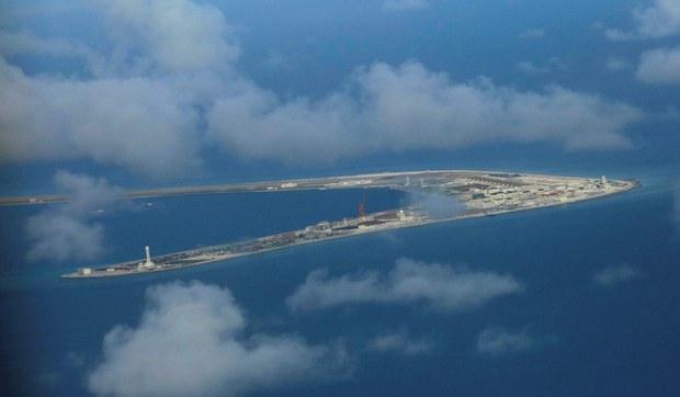 Các đảo nhân tạo của Trung Quốc ở Biển Đông dễ bị tấn công và ít có tác dụng trong chiến tranh
