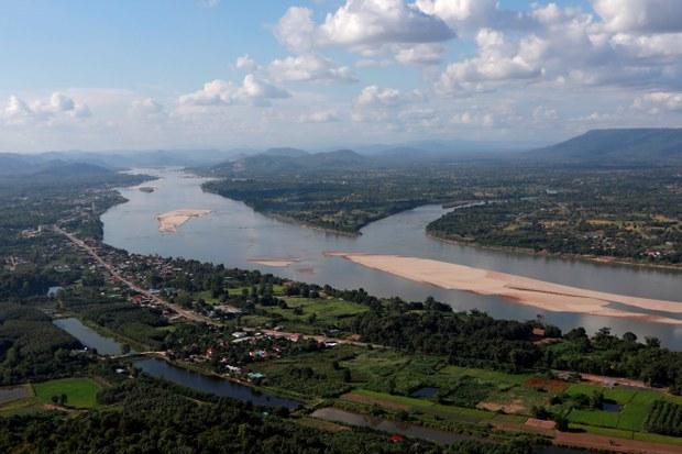 Đập Trung quốc tích nước làm mực nước sông Mekong giảm mạnh