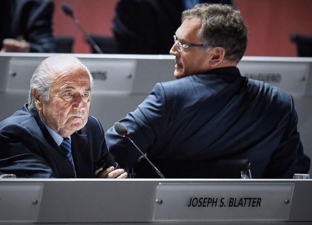 Chủ tịch FIFA Sepp Blatter (trái) và ông Jerome Valcke tổng thư ký tham dự Đại hội lần thứ 65 của FIFA tại Zurich ngày 29 Tháng Năm năm 2015