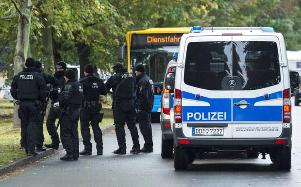 Đức: Bắt 03 nghi phạm vì cưỡng ép người Việt nhập cư bất hợp pháp vào hoạt động mại dâm