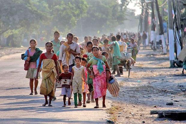 Ngày 25 tháng 12, năm 2014 hơn 2.000 người đã rời bỏ nhà cửa của họ tại bang Assam bất ổn sau khi phiến quân ly khai giết hàng chục người dân và một số trẻ em.