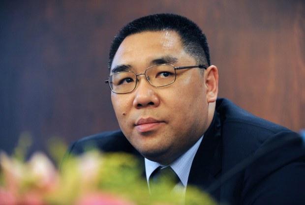 ông Fernando Chui trưởng đặc khu hành chính Macau, được bầu thêm một nhiệm kỳ nữa.