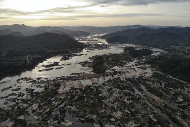 Mực nước Sông Mê Kong tăng chút ít, vào khi có những khác biệt trong dữ liệu
