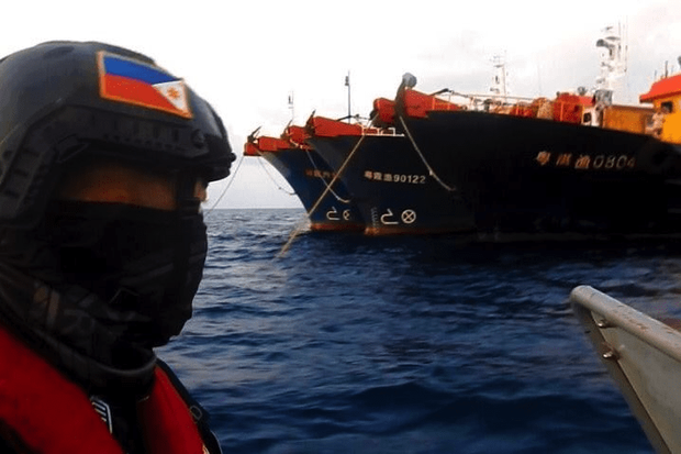 Philippines phản đối sự có mặt của hàng loạt tàu cá Trung Quốc ở đá Ba Đầu và bãi Scarborough
