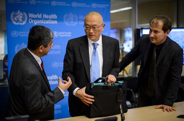 Các nhà khoa học trả lời báo chí hôm 14/5/2014 sau một cuộc họp  khẩn về bệnh MERS ở Thụy Sĩ. AFP PHOTO.