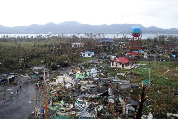 Ảnh chụp nhà cửa bị phá hủy bởi bão Haiyan tại Tacloban, phía đông đảo Leyte, Philippines vào ngày 09 tháng 11 năm 2013.