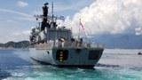 Khinh hạm HMS Richmond của Anh cập cảng Cam Ranh