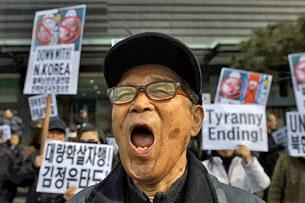 Một cuộc biểu tình tại Seoul vào ngày 16 Tháng Hai 2014 chống lại chế độ của Kim Jong Un ở Bắc Hàn.