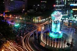 Đêm giao thừa 31-12-2012 tại TPHCM - Việt Nam. Courtesy TTO.
