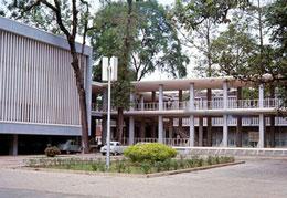 Trung Tâm Giáo Dục Y Khoa Sài Gòn với yểm trợ của Hiệp Hội Y Khoa Hoa Kỳ được xây cất và hoàn tất năm1966