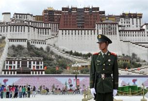 Cung điện Lhasa, Tây Tạng Trung Quốc. AFP