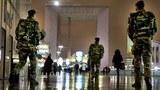 Để tăng cường biện pháp an ninh nước Pháp phải huy động hàng chục ngàn người trong mọi ngành kể cả quân đội.