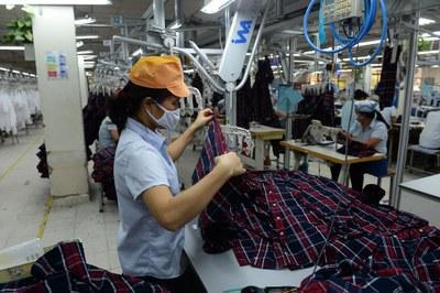 Việt Nam nên tránh nghĩ tới lợi thế nhân công nhiều và rẻ.(Ảnh minh họa)