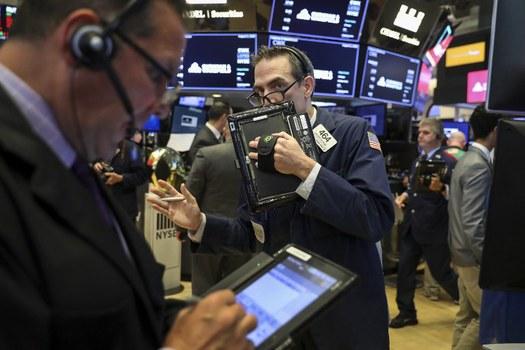 Thị trường Mỹ phản ứng với sự bất ổn toàn cầu vì chiến tranh trương mại Mỹ-Trung